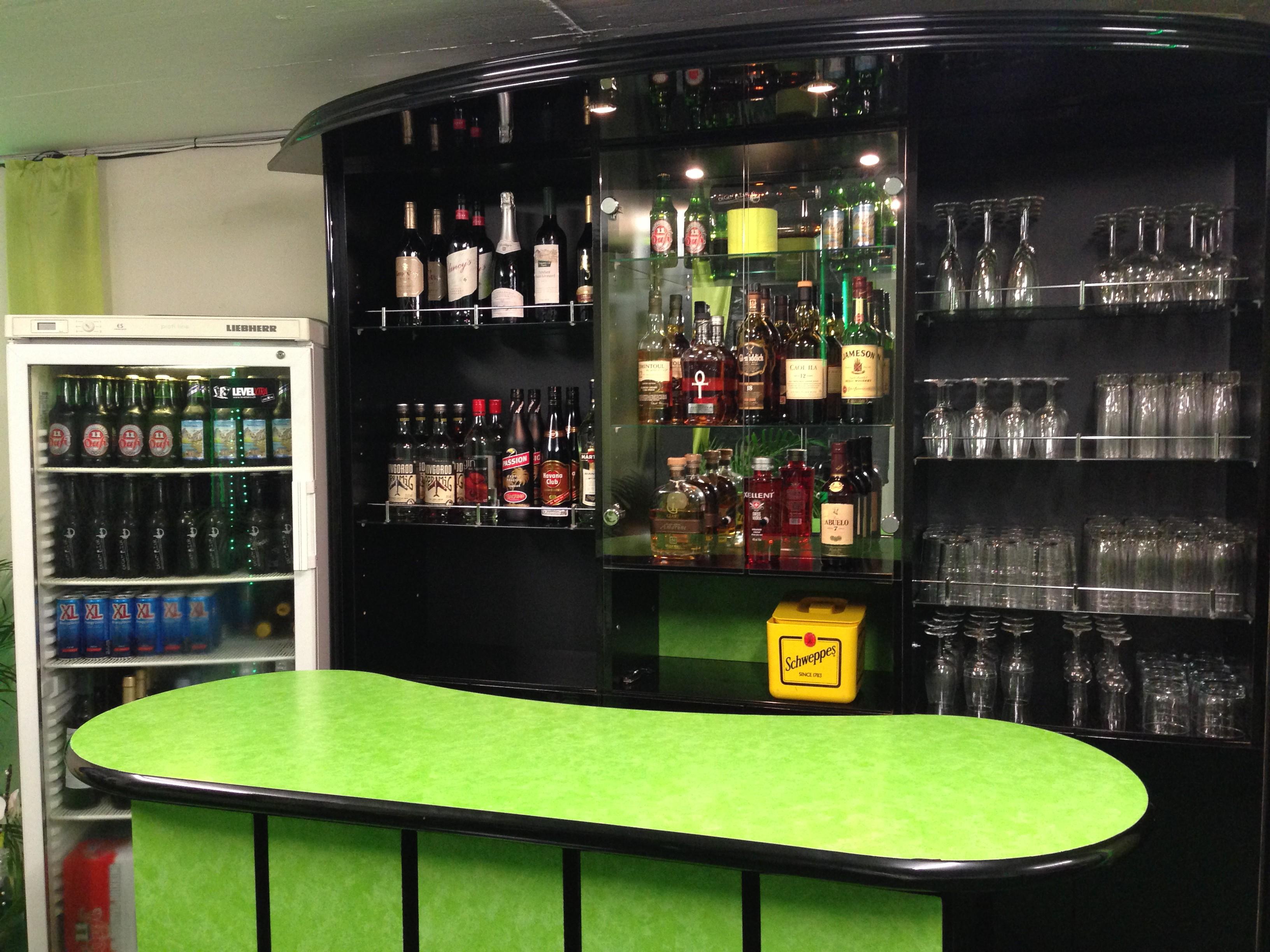 Unsere Bar ist gefüllt